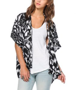 Black and White Kimono Images
