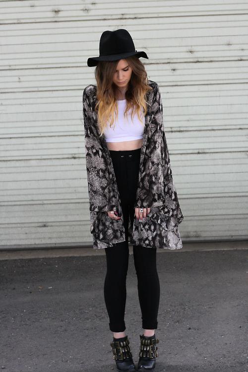 Black and White Kimono | Wardrobe Mag