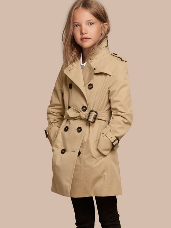Shop for girls' coats and jackets plus more outerwear at Macy's. Bundle up your little one with girls' coats and girls' jackets from top brands including Ideology, adidas, The North Face, .